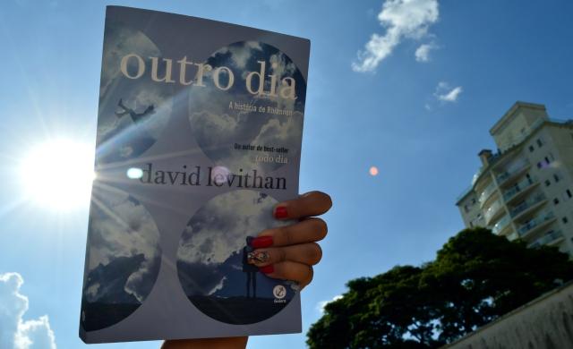 outro-dia-david-levithan-minha-vida-literaria2