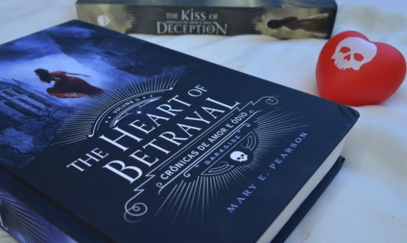 the-heart-of-betrayal-mary-e-pearson-minha-vida-literaria3